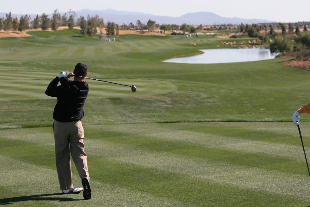 There are more than 100 Palm Springs Golf Courses.