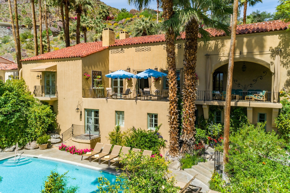 luxury palm springs hotel